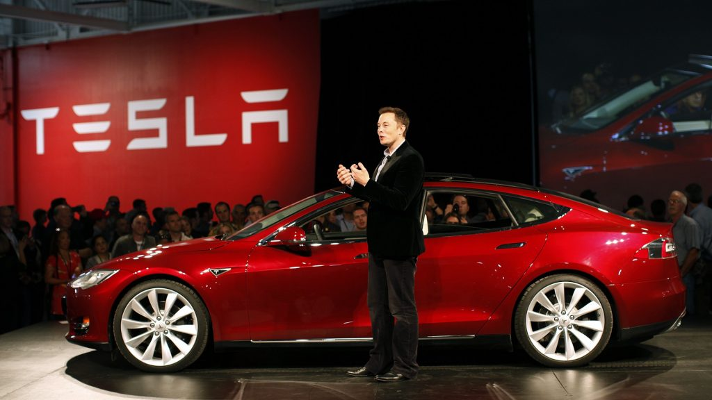 Senator din  SUA interzica Autopilotul Tesla