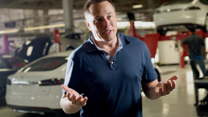 Senator din  SUA critica Autopilotul Tesla